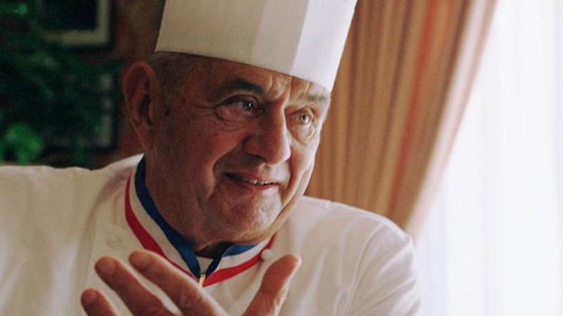Le Groupama Stadium rend hommage au chef cuisinier Paul Bocuse — OL-PSG
