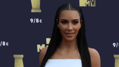 Kim Kardashian : L'apothéose du vide <img class='plus-nav-icon-menu icon-img' src='https://lincorrect.org/wp-content/uploads/2020/07/logo-article-small.png' style='height:20px;'>