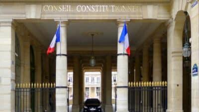 Conseil constitutionnel : lorsque les juges s'arrogent le pouvoir <img class='plus-nav-icon-menu icon-img' src='https://lincorrect.org/wp-content/uploads/2020/07/logo-article-small.png' style='height:20px;'>