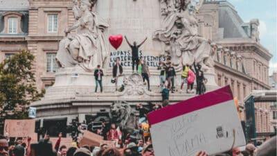 Paul-François Paoli : « L'État n'a pas à baisser les bras devant les revendications des minorités semi-étrangères ou devant le pouvoir de l'émotion » <img class='plus-nav-icon-menu icon-img' src='https://lincorrect.org/wp-content/uploads/2020/07/logo-article-small.png' style='height:20px;'>
